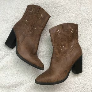 Heeled Vegan Leather Western Booties size 10